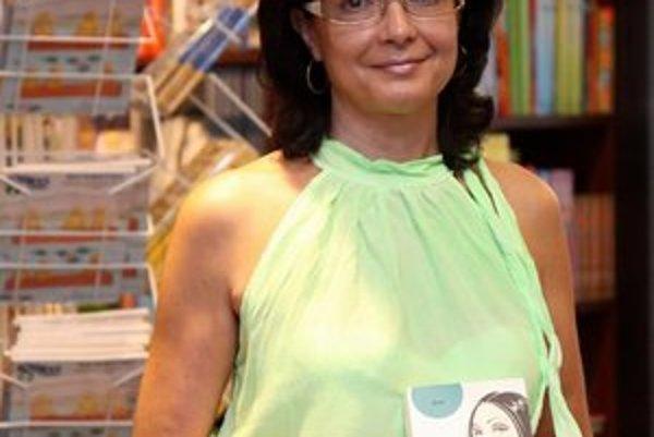 Silvia so svojim druhým románom.