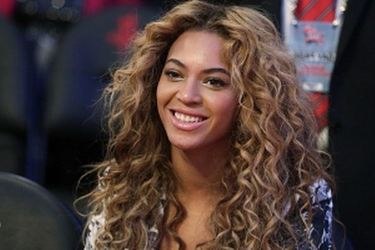Beyoncé  Diva musí mať lesklé vlasy - zena.sme.sk dda8c8af5f8