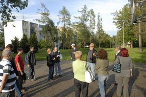 Ľudia sú na zeleň vo svojom okolí mimoriadne citliví. Žiadajú, aby sa na nej nedalo stavať.