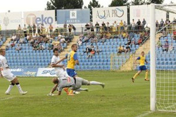 Dávid Škutka. Presadil sa dvoma gólmi.