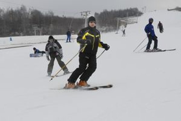 Otvorili Kavečany. Hurá! Okrem Jahodnej sa od včera lyžuje aj v Kavečanoch.