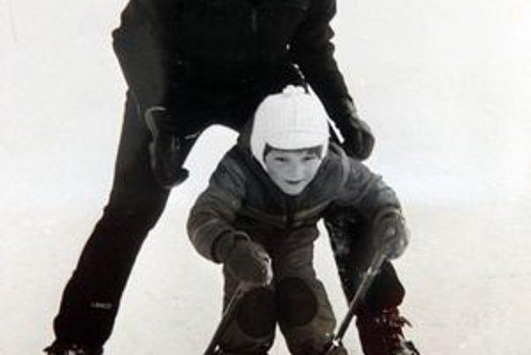 Do tajov lyžovania zasvätila aj svoje deti