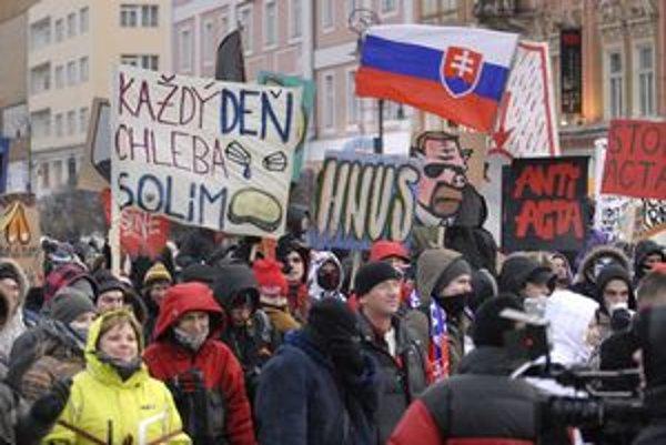 Protest. Pripomínal dianie v Košiciach počas novembra 1989.