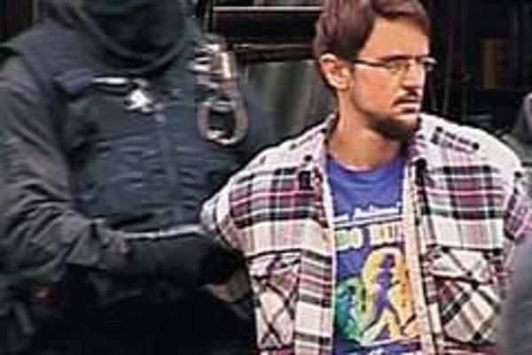 Stanislav Čamaj. Zadržali ho v októbri 2009. Odvtedy sa na slobodu nedostal, aj keď stíhanie pre terorizmus zrušili.