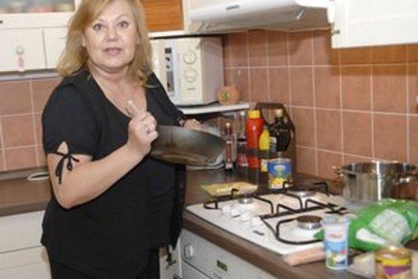 Ľ. Blaškovičová sa v kuchyni pohybuje rada