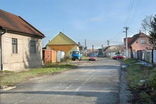 Ungárova je Husárska. Jedna ulica s dvoma názvami v dvoch mestských častiach je minulosťou.