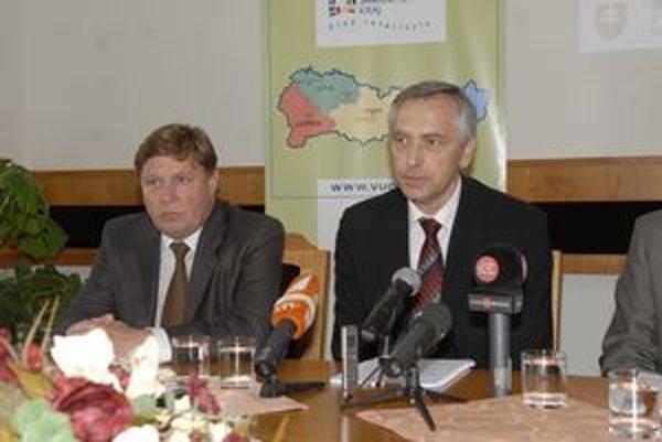 Z. Trebuľa a J. Figeľ. Šéf KSK verí, že sa u ministra dopravy nájdu peniaze aj na ďalšie pokračovanie IDS.