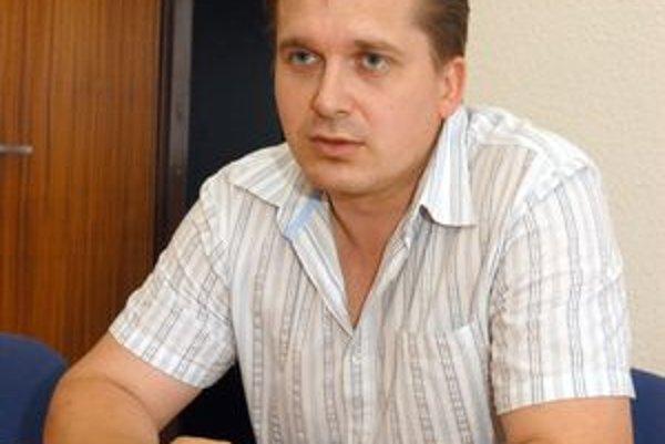Ján Nigut tvrdí, že má nevýhodu oproti kolegom z veľkých mestských častí.