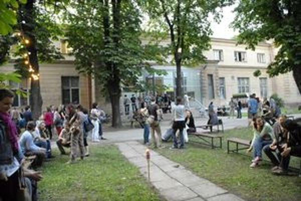 Leto v parku. V areáli na Kukučínovej nájdete koncerty, divadlo a program aj pre najmenších. Vlani festival navštívilo viac ako 13 000 návštevníkov.