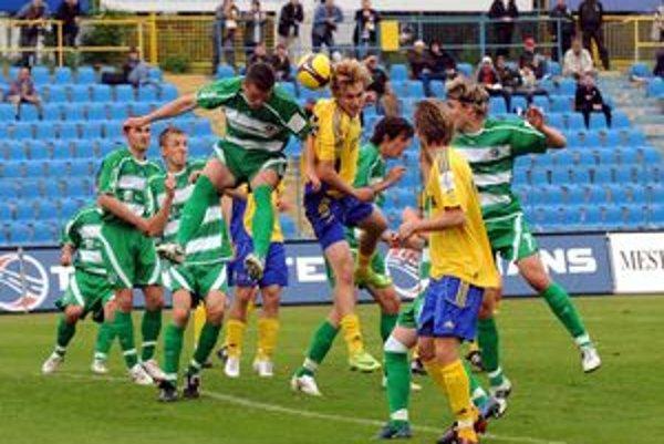 Futbalové derby Košice - Prešov je dlhé roky symbolom rivality vraňarov a koňarov.