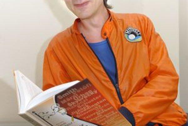 Na knihe pracoval štyri roky. Milan Kolcun do Košickej čítanky zahrnul tvorbu vyše deväťdesiatich autorov.