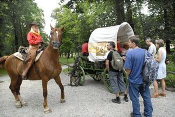 Radosť mal aj kôň. O pohľadnice bol veľký záujem.