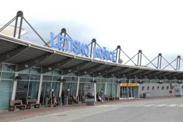 Dilema. Budú musieť Košičania k moru letieť z Popradu alebo Budapešti?
