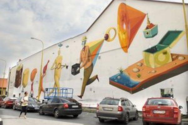 Rozprávkové postavy. Obraz na rohu Kováčskej a Vodnej, múr má rozmery 48 x 9 metrov.