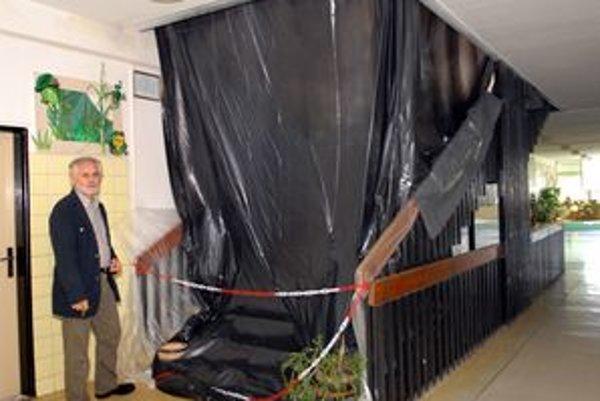 Tretie poschodie je pre žiakov uzavreté.