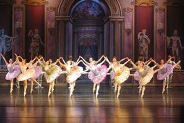 Moskovký balet ponúkne Labutie jazero.