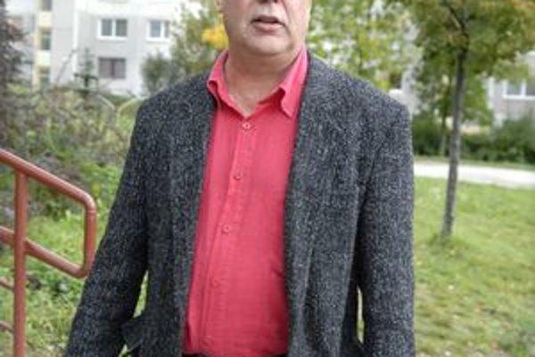 Štefan Tomčo (SaS). Paradoxne hlasoval za svoj odchod z NR SR.