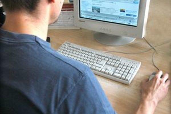 Vybavovanie cez internet. Chce ho zaviesť mesto i mestské časti.