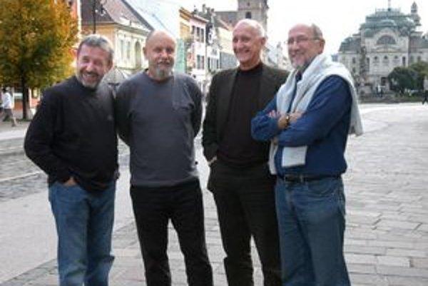 Štvorica spisovateľov. Zľava Rasťo Piško, Dalimír Stano, Jozef Banáš a Gustáv Murín.