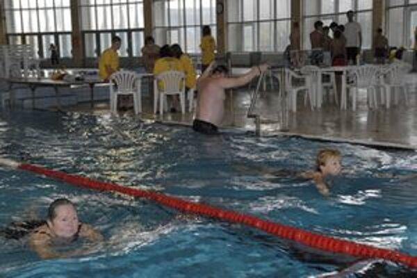 Minulý ročník. Vlani sa v bazéne vystriedalo za celý deň 1 149 Košičanov.