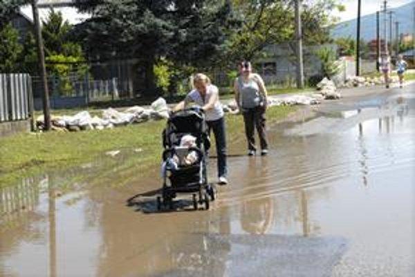 Zaplavená Čaňa. Táto obec stále bojuje s následkami povodní.