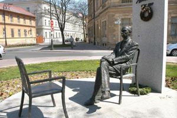 V Košiciach má Sándor Márai aj sochu.