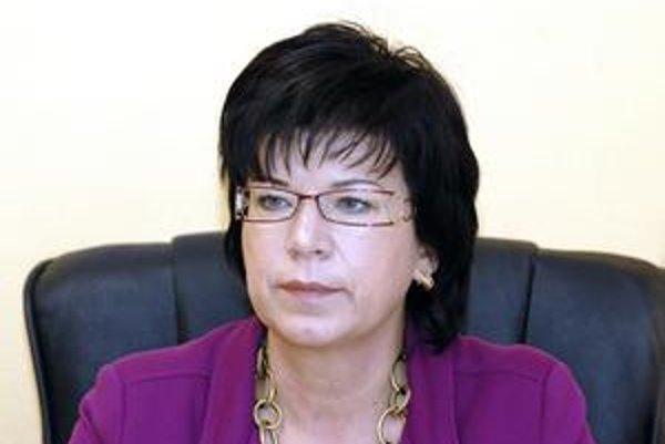 Iveta Marinová. Podľa riaditeľky Univerzitnej nemocnice sa šetrenie VšZP neprejavilo v zmene limitov hospitalizácií a operačných zákrokov.