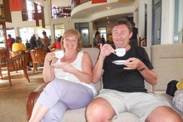 Manželia Magda a Vladimír Hajdukovci.
