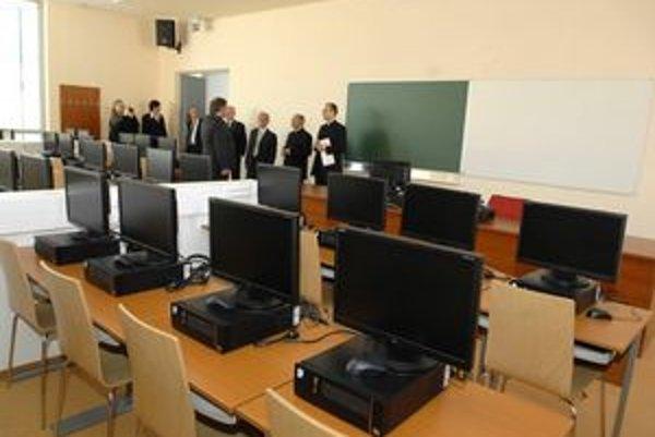 Moderné priestory. Nové vybavenie má prispieť k zvýšeniu úrovne štúdia.