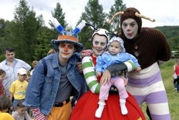 Rozprávkové bytosti. Deti súťažia v rozprávkovej krajine vo všeličom.