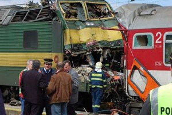 Pri zrážke vlakov v Spišskej Novej Vsi vyhasli tri životy.