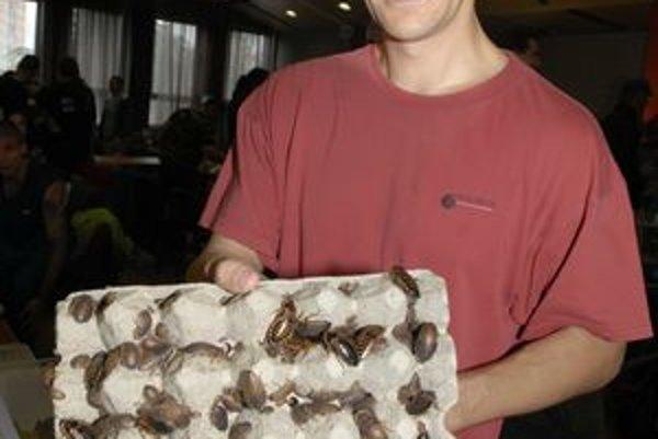Miro Hanáček chová najmä šváby. Tisíce.