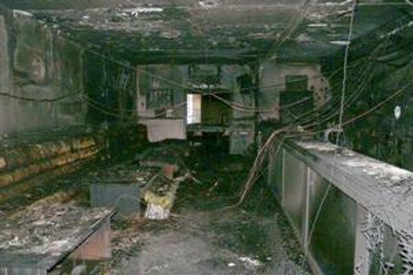 Vo vnútri vyhorelo všetko.