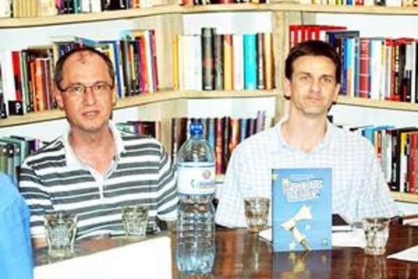 Karel Hirman a Milan Nič. Spája ich dlhoročné priateľstvo a už aj spoločná kniha.