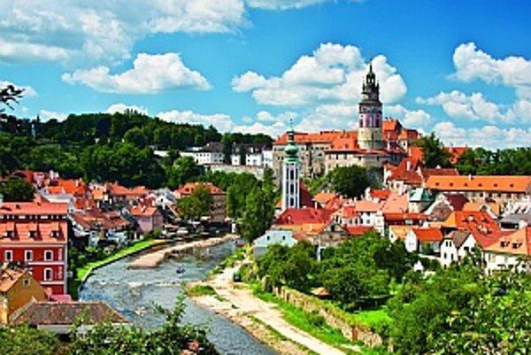 Okolie krumlovského zámku s pôvodným historickým koloritom.