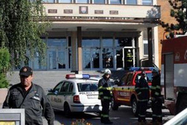 Budovu, v ktorej sídlia košické súdy, museli evakuovať.
