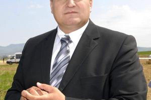 """Juraj Briškár. Exšéf úradu práce bez práce neostane. Má byť """"umiestnený"""" do sociálneho zariadenia na Skladnej."""