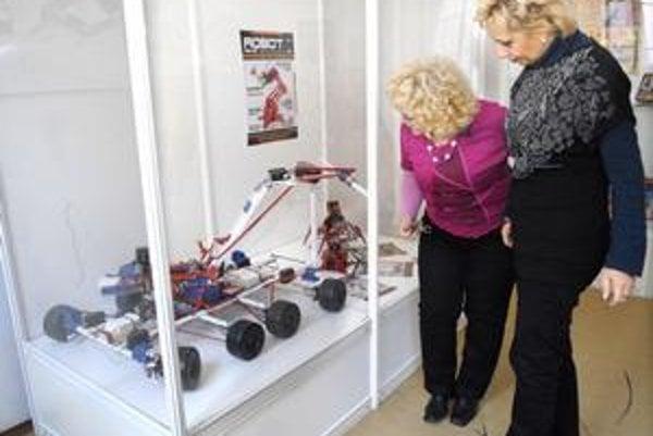 Obľúbená stavebnica. Množstvo modelov vytvorených z jej dielov sa aktuálne nachádza v Slovenskom technickom múzeu.