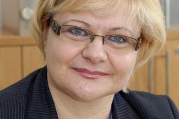 Iveta Kijevská (SDKÚ-DS). Z prednostky miestneho úradu mestskej časti KVP sa stane starostka tohto sídliska.