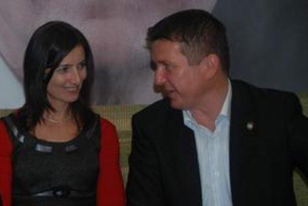 Neúspešní kandidáti na primátora. Šéfom klubu bude Marek Kažimír, podpredsedom Mária Gamcová.