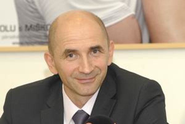 Neonatológ Peter Krcho. Poverený riaditeľ uspel vo výberovom konaní.