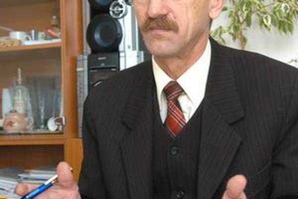 Rudolf Reštei. Staronový starosta dostal dôveru tesne.