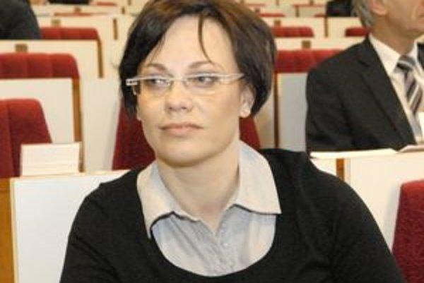 Hana Jakubíková by mala byť košickou mestskou kontrolórkou šesť rokov. Viacerým poslancom sa nepáči, že je členkou strany mestskej vládnej koalície.