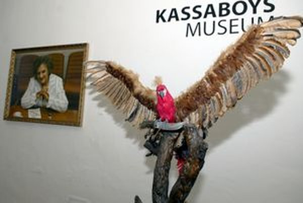 Recesia - turul ako papagáj, Kinga Gönczová ako bosorka.