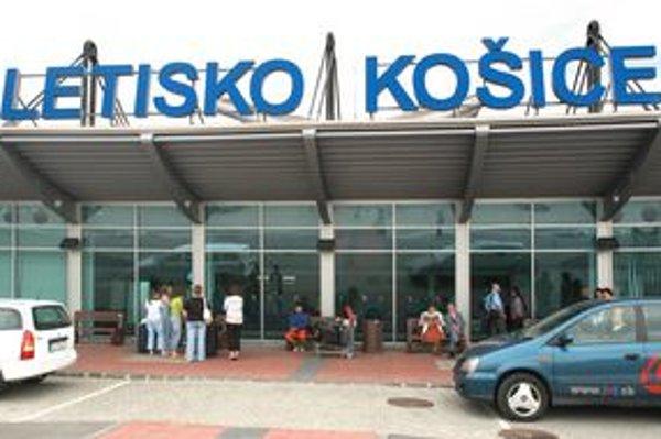 Na košickom letisku dramaticky klesol počet prepravených cestujúcich.