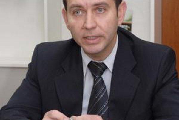 Jozef Filipko (SMK). Z viceprimátora sa stal poslancom, povereným špeciálnymi úlohami. Už nemôže robiť ani to.