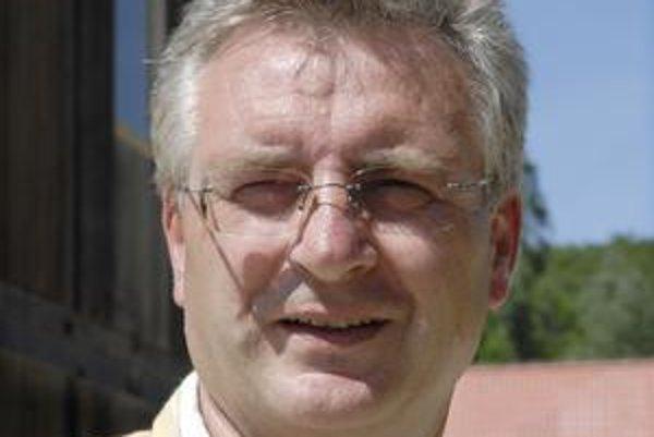 Riaditeľ ZOO. Štefan Kollár tvrdí, že majitelia odmietli dohodnúť sa zatiaľ na prenájme.