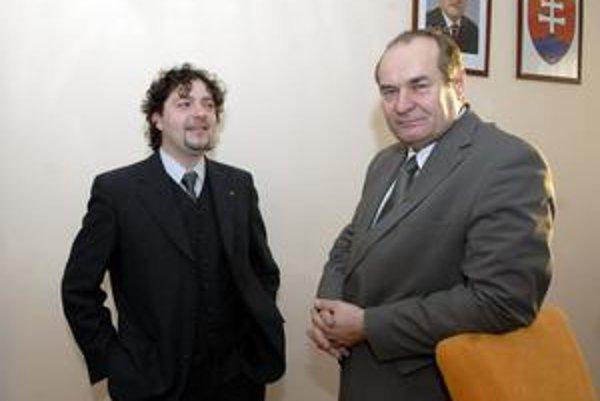 Milan Béreš (KDH) a Pavol Mutafov (Smer-SD). V najbližších voľbách chcú zviesť boj o kreslo starostu.