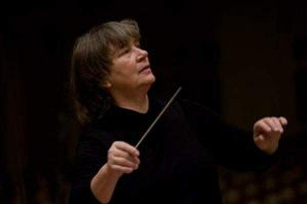 Agnieszka Duczmal. Bola prvou ženou dirigentkou, ktorá získala angažmán v slávnej La Scale. V Košiciach sa predstaví v rámci KHJ.