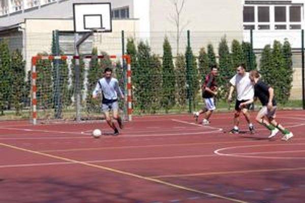 Športové ihriská. Na ich vybudovanie schválili poslanci 300-tisíc eur.